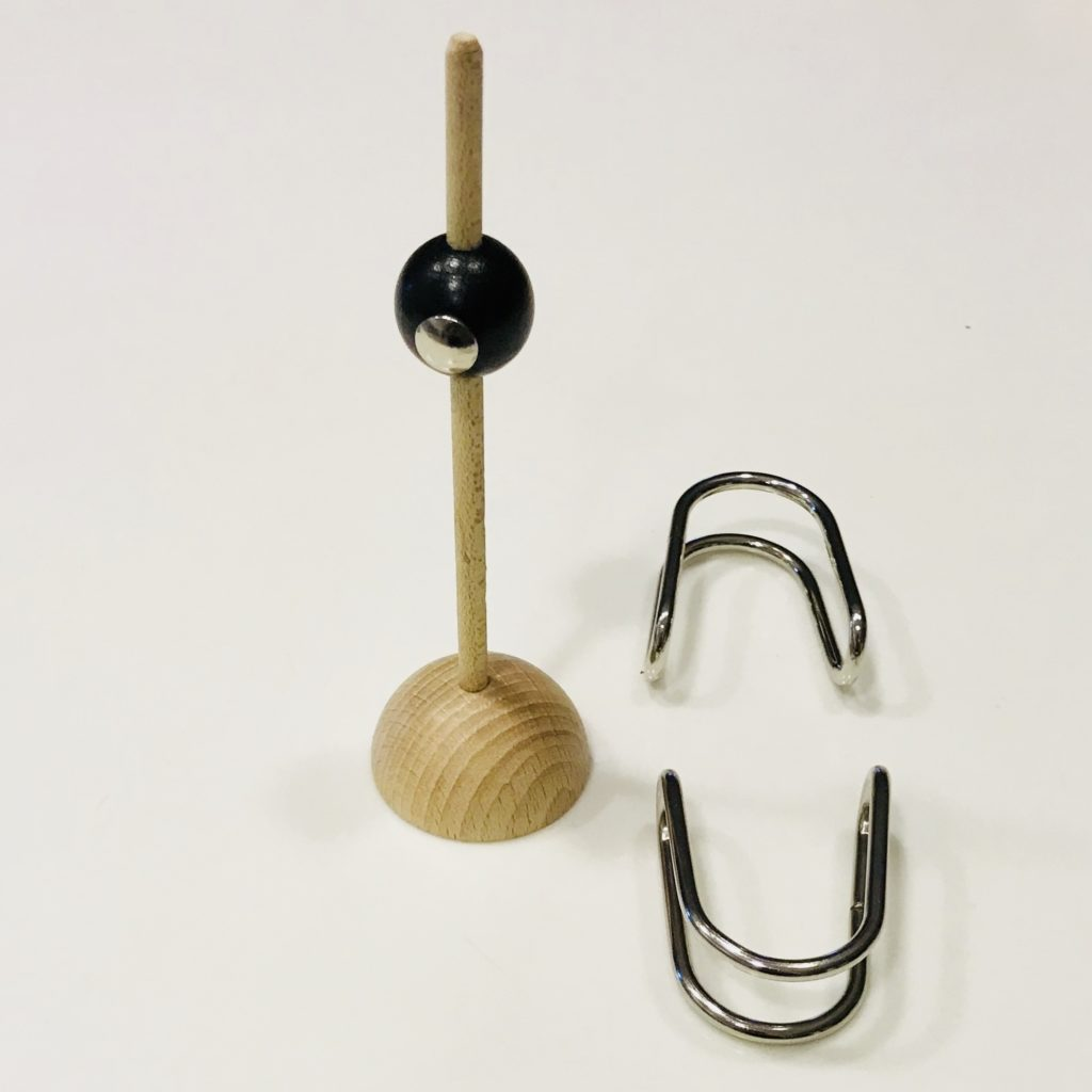 U-Sockel by Jean-Claude Constantin